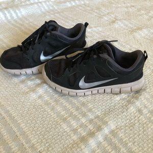 Boys Nike's 2Y
